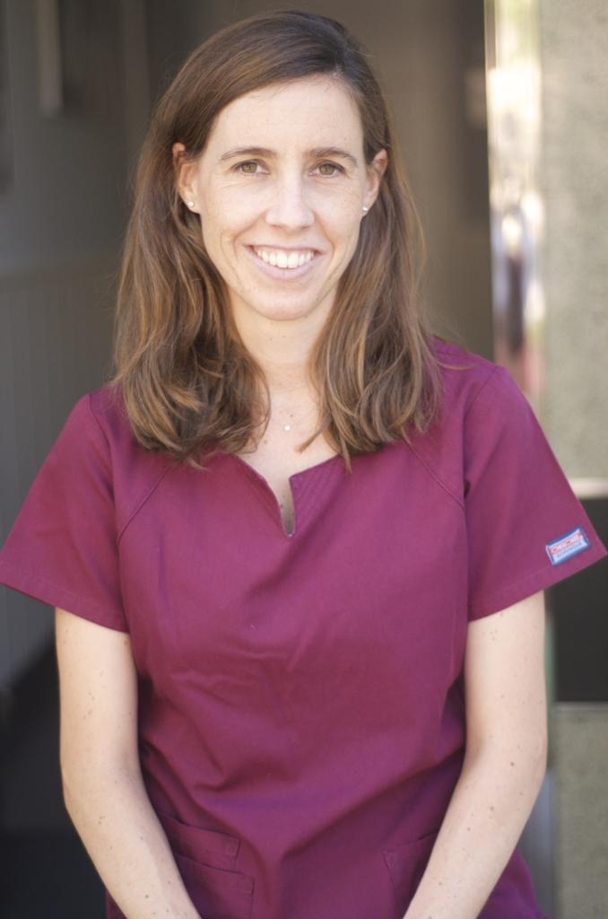 Dra. Jennifer Visser Navarro - Qboca - Dentista